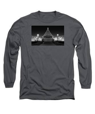 Christmas Lights On Manhattan Pier B And W Long Sleeve T-Shirt