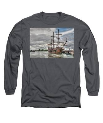 El Galeon Andalucia In Portsmouth Long Sleeve T-Shirt