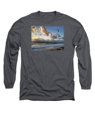 Looking For Food. Long Sleeve T-Shirt