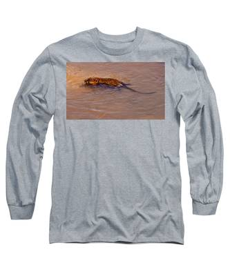 Muskrat Swiming Long Sleeve T-Shirt