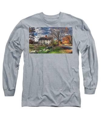 Noyes House In Autumn Long Sleeve T-Shirt