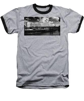 London S Skyline Baseball T-Shirt
