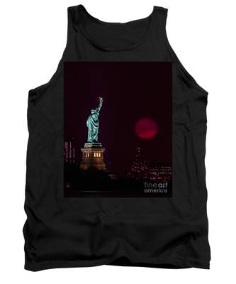 Super Moon Rising And The Statue Of Liberty Tank Top