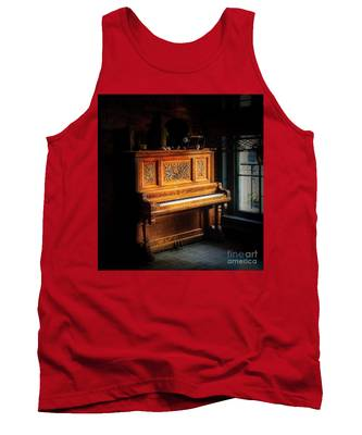 Old Wooden Piano Tank Top