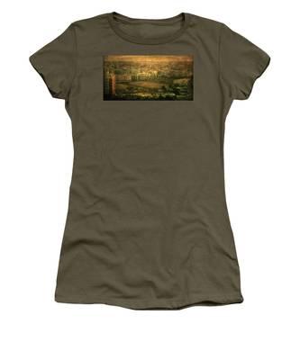 Al-khobar On Texture Women's T-Shirt