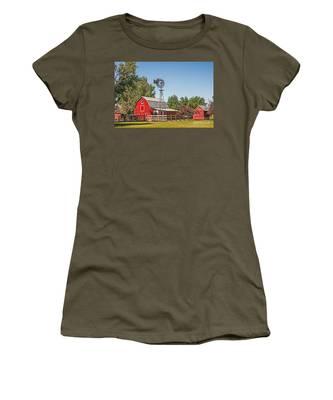 Barnyard Women's T-Shirt