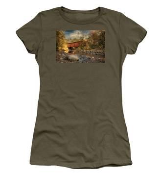 Everett Rd Summit County Ohio Covered Bridge Fall Women's T-Shirt