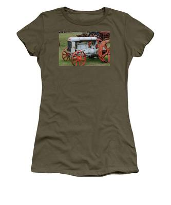 Old Tractor Women's T-Shirt