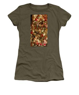 Simply Santa Women's T-Shirt by Laurie Lundquist
