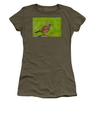 Song Sparrow On A Log Women's T-Shirt