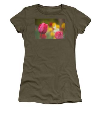 Tulips Blooming Women's T-Shirt