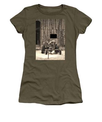 Tractor And The Barn Women's T-Shirt