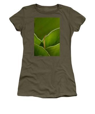 Curled Women's T-Shirt