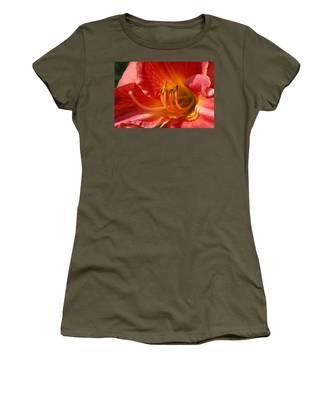 Daylilly Close Up Women's T-Shirt
