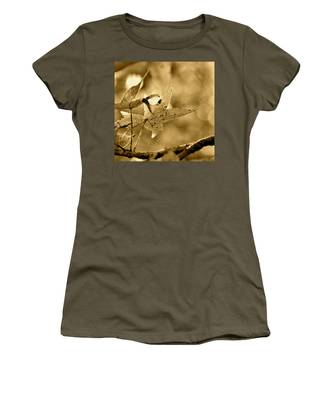 The Gum Leaf Women's T-Shirt