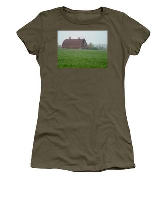 Barn In Summer Women's T-Shirt