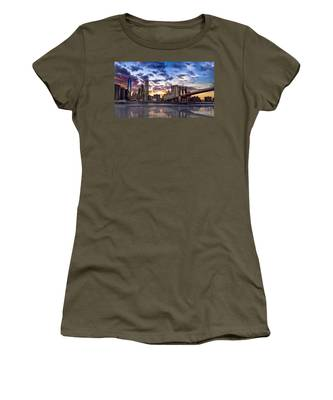 Brooklyn Bridge Manhattan Sunset Women's T-Shirt