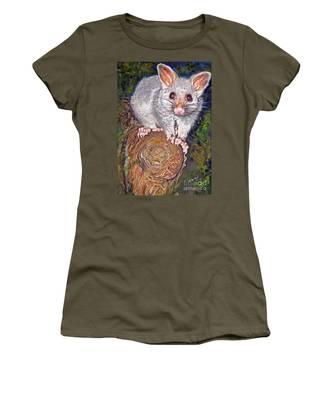 Curious Possum  Women's T-Shirt