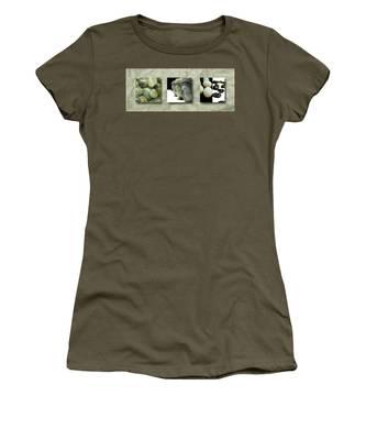 Becoming IIi Women's T-Shirt