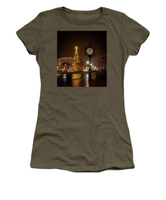Night On The Square Women's T-Shirt