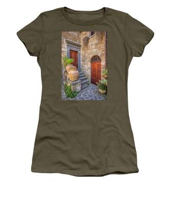 Romantic Courtyard Of Tuscany Women's T-Shirt
