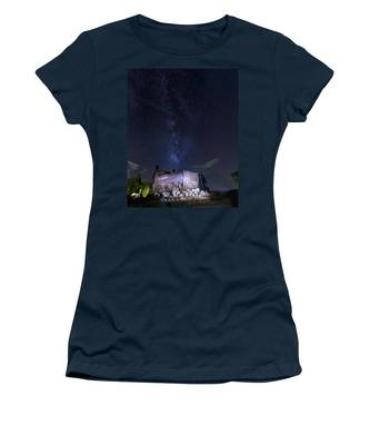 Big Muskie Bucket Milky Way And A Shooting Star Women's T-Shirt