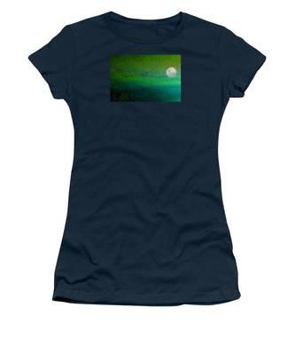 Geese In Flight  Women's T-Shirt