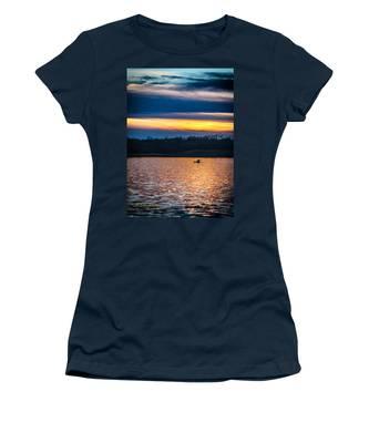 Kayak Sunset Women's T-Shirt