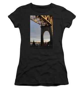 Aurora Bridge Seattle Washington  Women's T-Shirt