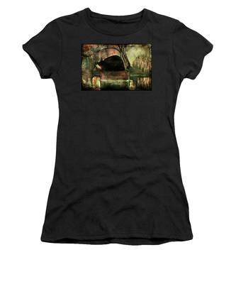 Bridge Over The Canal Women's T-Shirt
