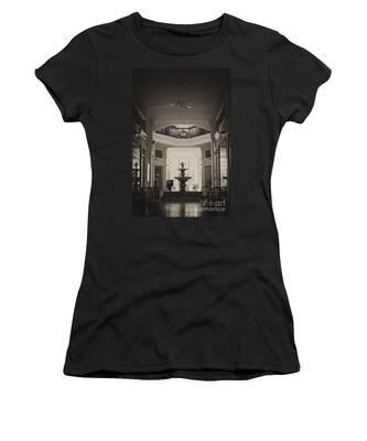 Fountain In The Light Women's T-Shirt