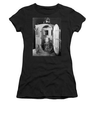 Quentin Women's T-Shirts