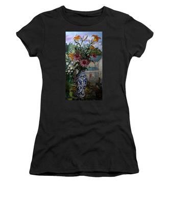 St010 Women's T-Shirt
