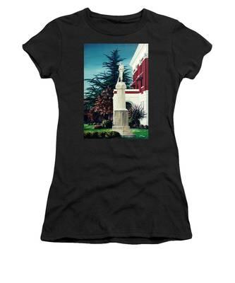 White County Courthouse - Civil War Memorial Women's T-Shirt