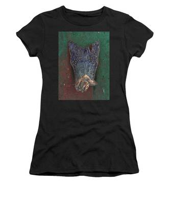 Her Dress Flew Up When She Crossed Her Legs. Women's T-Shirt