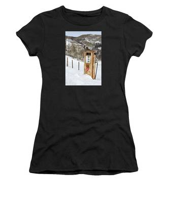 Conoco In The Snow Women's T-Shirt