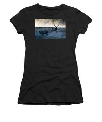 Elk In The Mist Women's T-Shirt