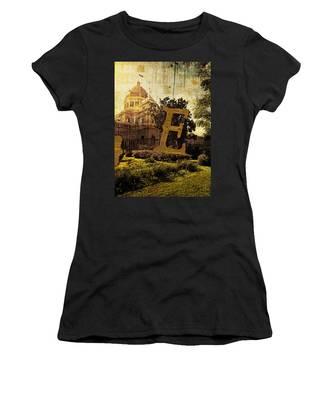 Grungy Melbourne Australia Alphabet Series Letter E Royal Exhibi Women's T-Shirt