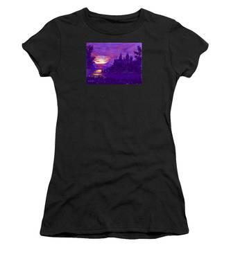 Hogwarts In Purple Women's T-Shirt