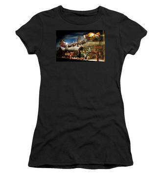 Macy's Miracle On 34th Street Christmas Window Women's T-Shirt