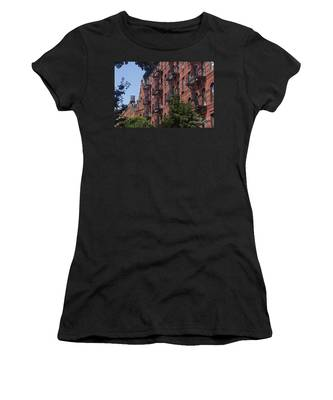 Women's T-Shirt featuring the photograph New York Soho by Juergen Held