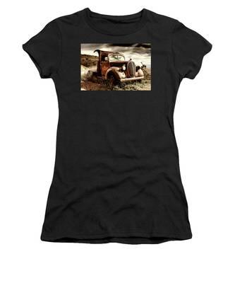 Old Ford Truck In Desert Women's T-Shirt