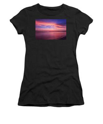 Pink Sky And Ocean Women's T-Shirt