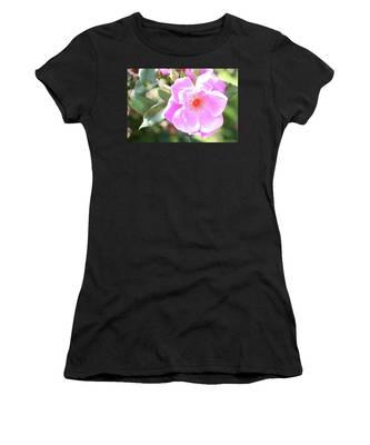 Pretty Pink Rose Women's T-Shirt