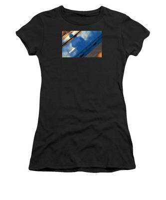 Women's T-Shirt featuring the photograph The Fountain by Break The Silhouette