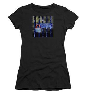 Time Hues Women's T-Shirt