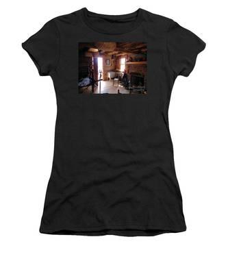 Tom's Old Fashion Cabin Women's T-Shirt