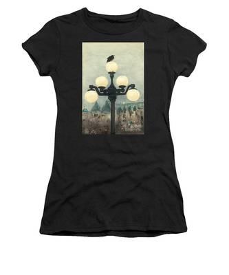 Victoria Evening Women's T-Shirt