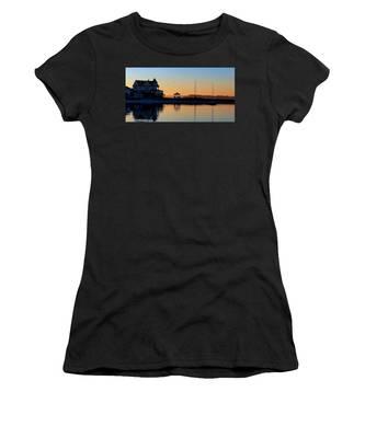 Waterfront Living Women's T-Shirt