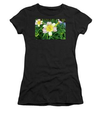 Yellow Daylily Women's T-Shirt